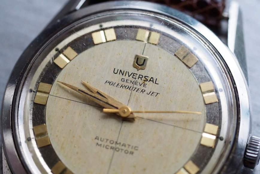 The Polerouter Jet combines some lovely dial details such as an applied gold logo and fantastic font